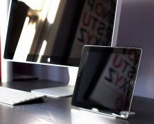 Magnus Stand for iPad 2